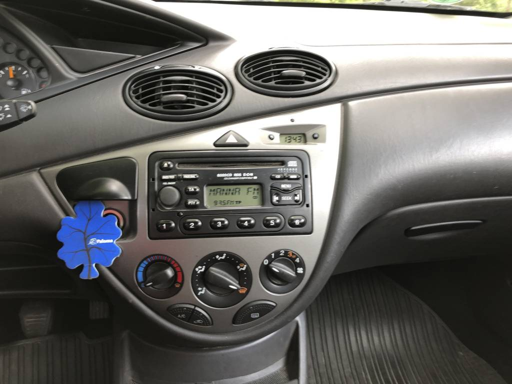 FORD FOCUS 1.4 Ambiente